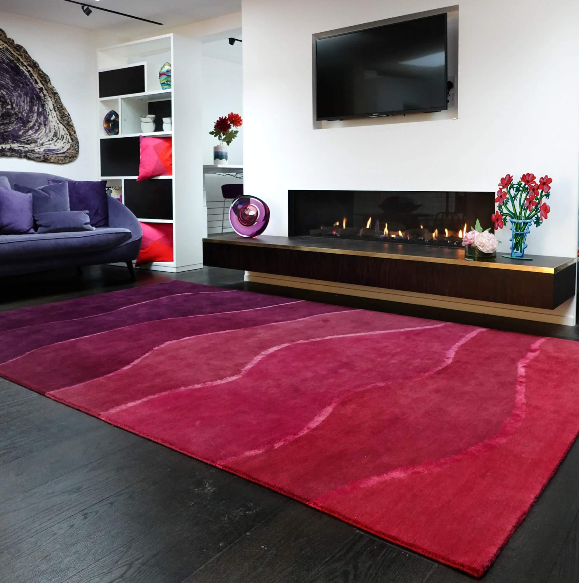 Contemporary Red Rug in Wool and Silk